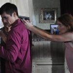 Brigid Brannagh e Timothy Granaderos nel film Duplice identità