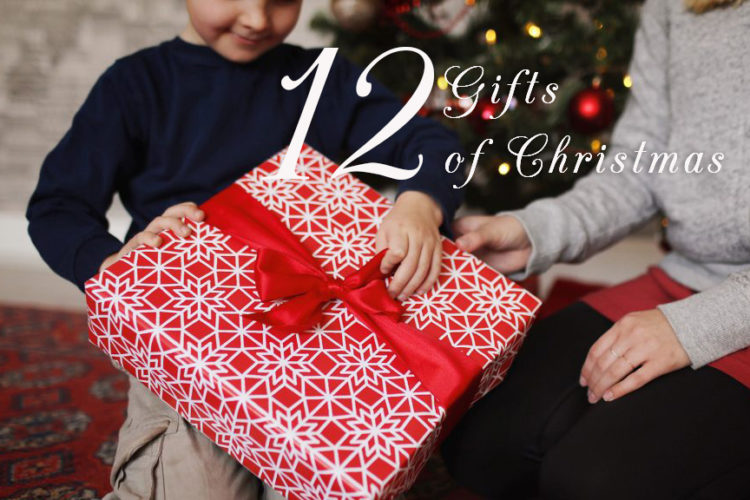 12 regali di Natale (2015) – 12 Gifts of Christmas